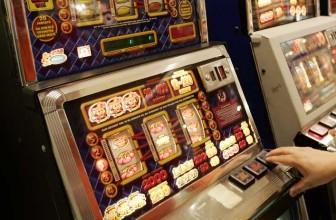 Hvordan fungerer spilleautomater, og hvordan tjener selskapet bak penger på dem ?